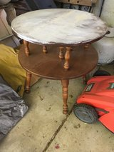 Side / Accent table in Fairfield, California