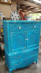 BLUE N TURQUOISE DRESSER in Alamogordo, New Mexico