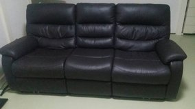 Leather Couch / Sofa in Fort Lewis, Washington