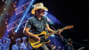 Brad Paisley tickets in Chicago, Illinois