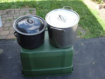 YOUR CHOICE OF STOCK POTS in Bartlett, Illinois