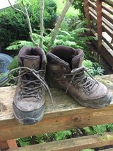 Size 5 hiking boots in Glendale Heights, Illinois