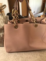 Michael Kors purse pink champagne in Fort Leonard Wood, Missouri
