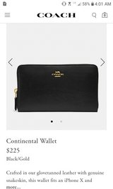 Authentic Coach black leather Continental women's zipper wallet in Fort Campbell, Kentucky