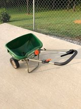 Lawn Spreader(Large) in Fort Leonard Wood, Missouri