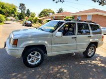 1998 Jeep Grand Cherokee 5.9 low miles in Tacoma, Washington