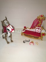 Ever After High Apple White - Dragon + Fainting Couch in Kingwood, Texas