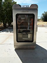 Char-Broil 725 Deluxe Digital Electric Smoker in Yucca Valley, California