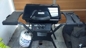 Propane BBQ Grill with cover and tank in Stuttgart, GE