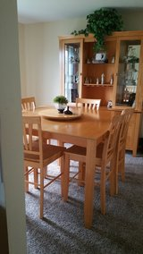 Dining Table w/6 chairs and China Cabinet in Plainfield, Illinois
