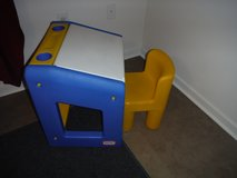 Little Tikes Desk & Chair in 29 Palms, California