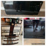 "32"" TV with stand in Fort Campbell, Kentucky"