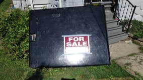 hard bed cover for chevy s-10 short bed in Aurora, Illinois