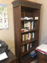 2 6ft Bookcases in Glendale Heights, Illinois