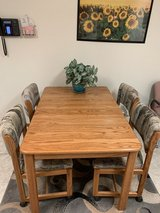 Oak kitchen table with 4 chairs in Alamogordo, New Mexico