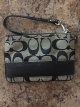 Coach wristlet in Fort Leonard Wood, Missouri