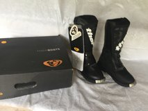 NEW YOUTH THOR EVOLUTION DIRT-BIKE BOOTS SIZE 4 in Kingwood, Texas