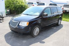 2010 Chrysler Town and Country in Naperville, Illinois
