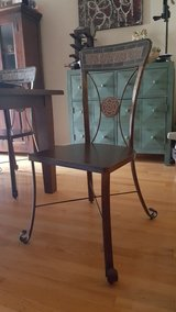 Set of 6 chairs in Bartlett, Illinois