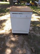 Portable dishwasher in Fort Campbell, Kentucky