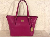 """""""ANNE KLEIN"""" Purse Carry-all in raspberry pebbled faux leather 100% Vegan and minimalist lines. in Yucca Valley, California"""