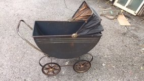 Antique Metal Baby Carriage in Chicago, Illinois
