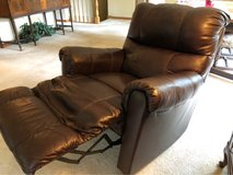 Brown Leather Recliner   Very Nice!!! in Glendale Heights, Illinois