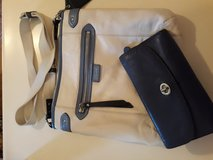 Coach purse and wallet set in Fort Campbell, Kentucky