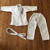 Kids Flo Brazilian Jiu Jitsu Gi Uniform, Top, Pants & Belt, M2 size, White Color in Bartlett, Illinois