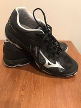 Men's volleyball shoes in Aurora, Illinois