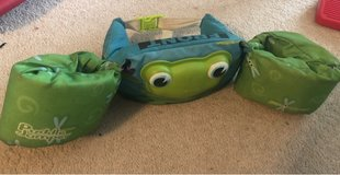 Puddle Jumper Swim Float (Toddler / Frog) in Chicago, Illinois