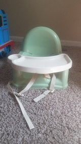 Safety 1st booster seat in Bartlett, Illinois