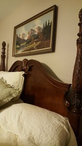 King bed/2 nightstands in Cleveland, Texas