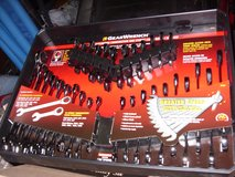 32 pc. gearwrench set in Fort Knox, Kentucky