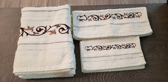 6,pec. Towel set white and brown in Conroe, Texas