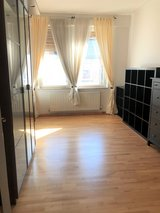 Huge 5BR-Stuttgart-partly furnished apartment in Stuttgart, GE