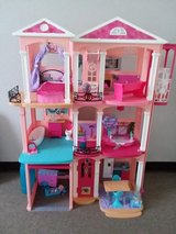 Barbie's Dream House in Alamogordo, New Mexico