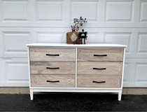 Beautiful dresser or tv stand in Westmont, Illinois