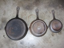 "three benjamin cast iron pans - 6 1/2"" & 8"" & 10 1/2"" in Fort Knox, Kentucky"