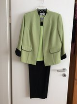 Women's Business Clothes in Ramstein, Germany