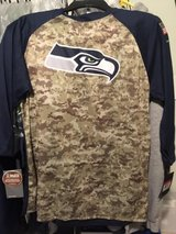 Seattle Seahawks (NIKE) Salute to Service 3/4 Sleeve Mens Large T-Shirt - Camo/Navy (NEW) in Fort Lewis, Washington