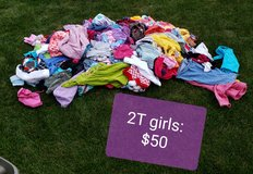 2T girls clothes- HUGE lot in Chicago, Illinois