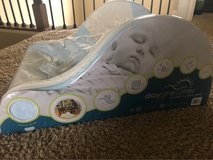 Day dreamer baby lounge seat / sleeper in Naperville, Illinois