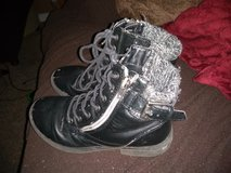 Girls size 2 boots in Fort Campbell, Kentucky