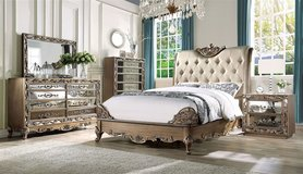 UPSCALE /LUXURIOUS QUEEN 4PC BED SET in Camp Pendleton, California