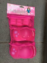 Girls Pink NEW/UNUSED Elbow/Knee/Wrist Safely Pads - RAZOR Brand in Westmont, Illinois