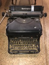 old Remington Tyoewriter. Does not work but Cool display piece in Naperville, Illinois