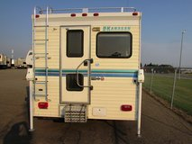 Okanagan 10.5 Camper Very Clean no Leaks in Fort Lewis, Washington
