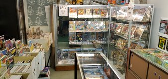 Comic books, magazines, cards in Fort Lewis, Washington