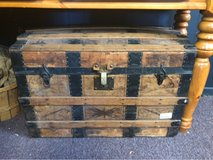Antique Trunk in Bartlett, Illinois